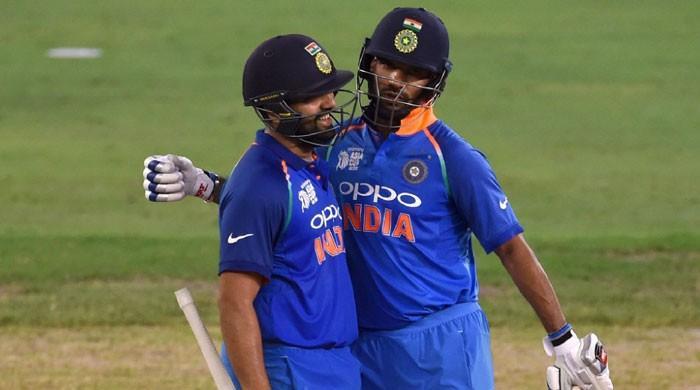 India beat sloppy Pakistan by nine wickets