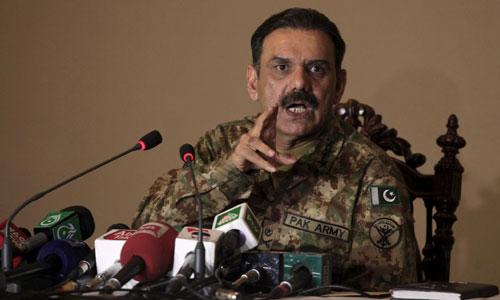 DG ISPR Lt-Gen Asim Bajwa speaking to the media