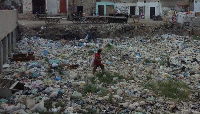 pollution in karachi essay