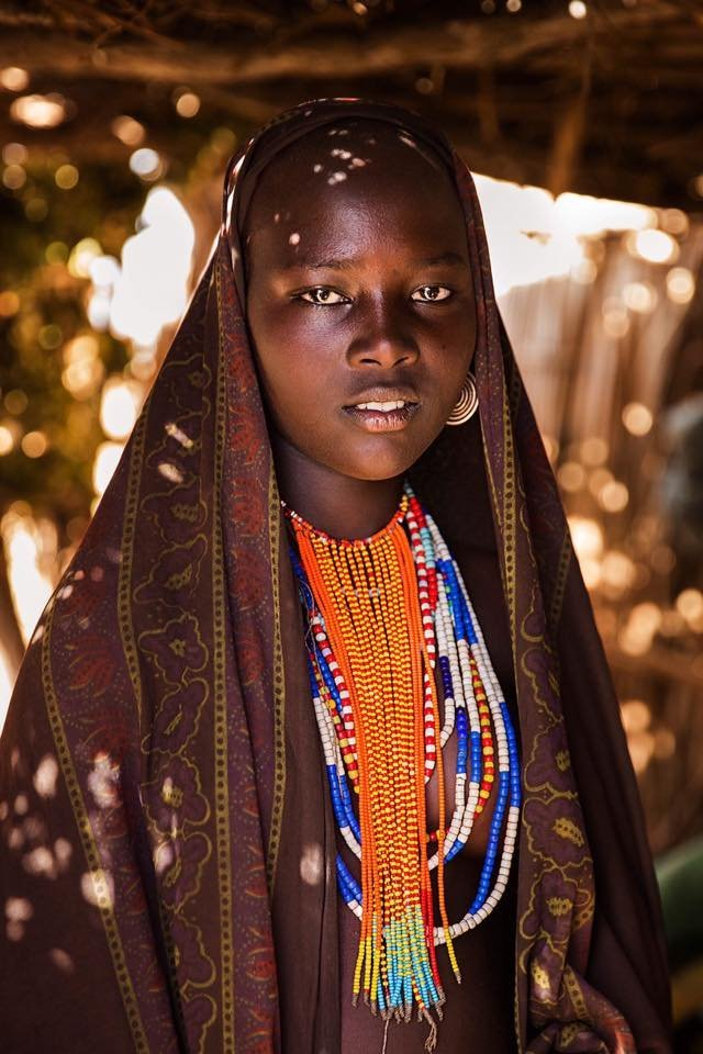 An indigenous woman from the Omo Valley in Ethiopia photographed by Mihaela Noroc