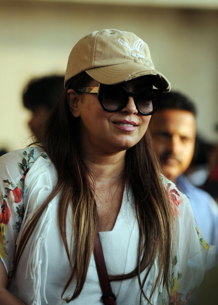 Indian Bollywood actress Mahima Chaudhary arrives to attend a concert performance by Canada´s Justin Bieber at The D.Y. Patil Stadium in Navi Mumbai on May 10, 2017. / AFP / Sujit JAISWAL