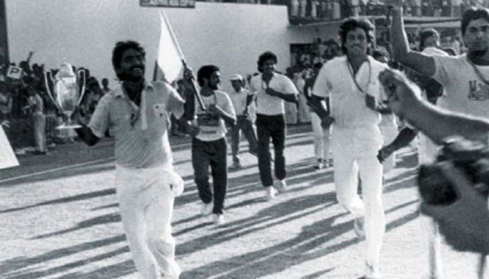 Javed Miandad and teammates celebrate after winning the final against India/ESPNcricinfo