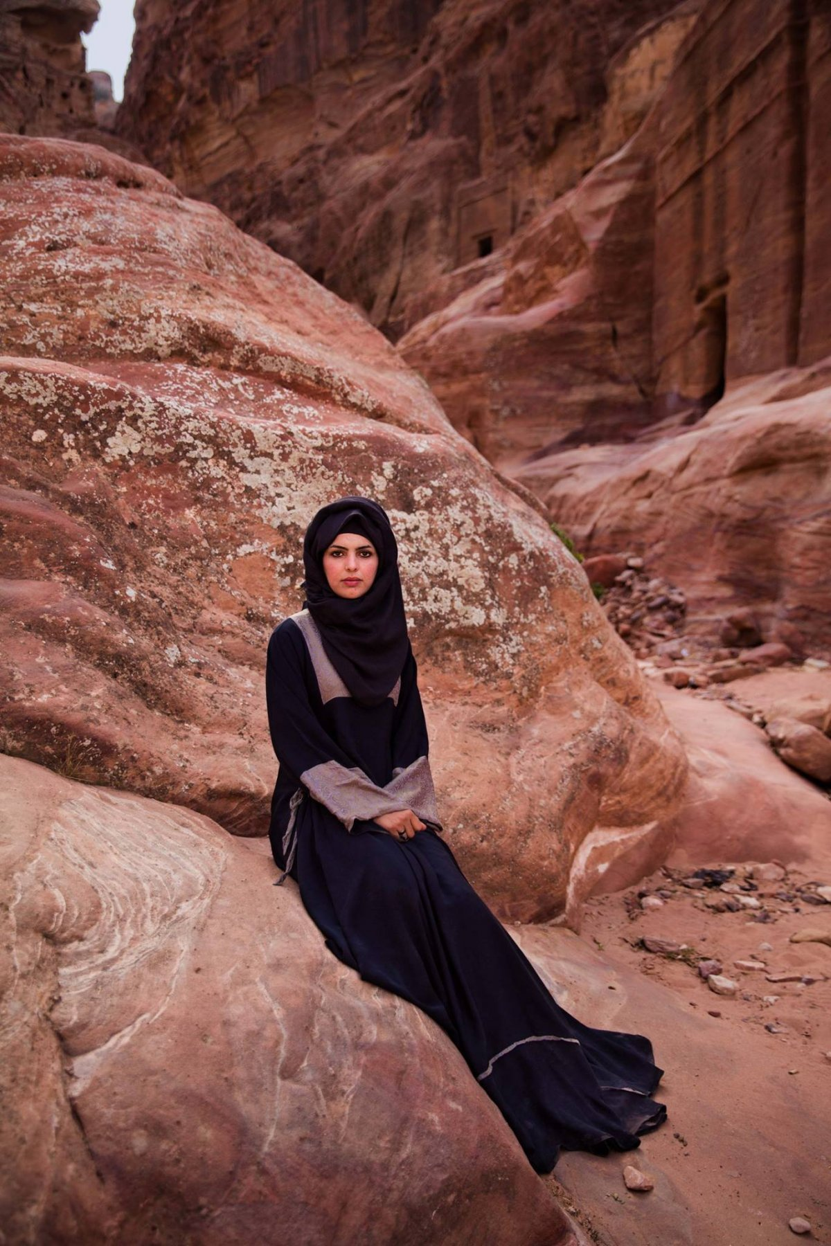 A Bedouin woman in Petra, Jordan photographed by Mihaela Noroc