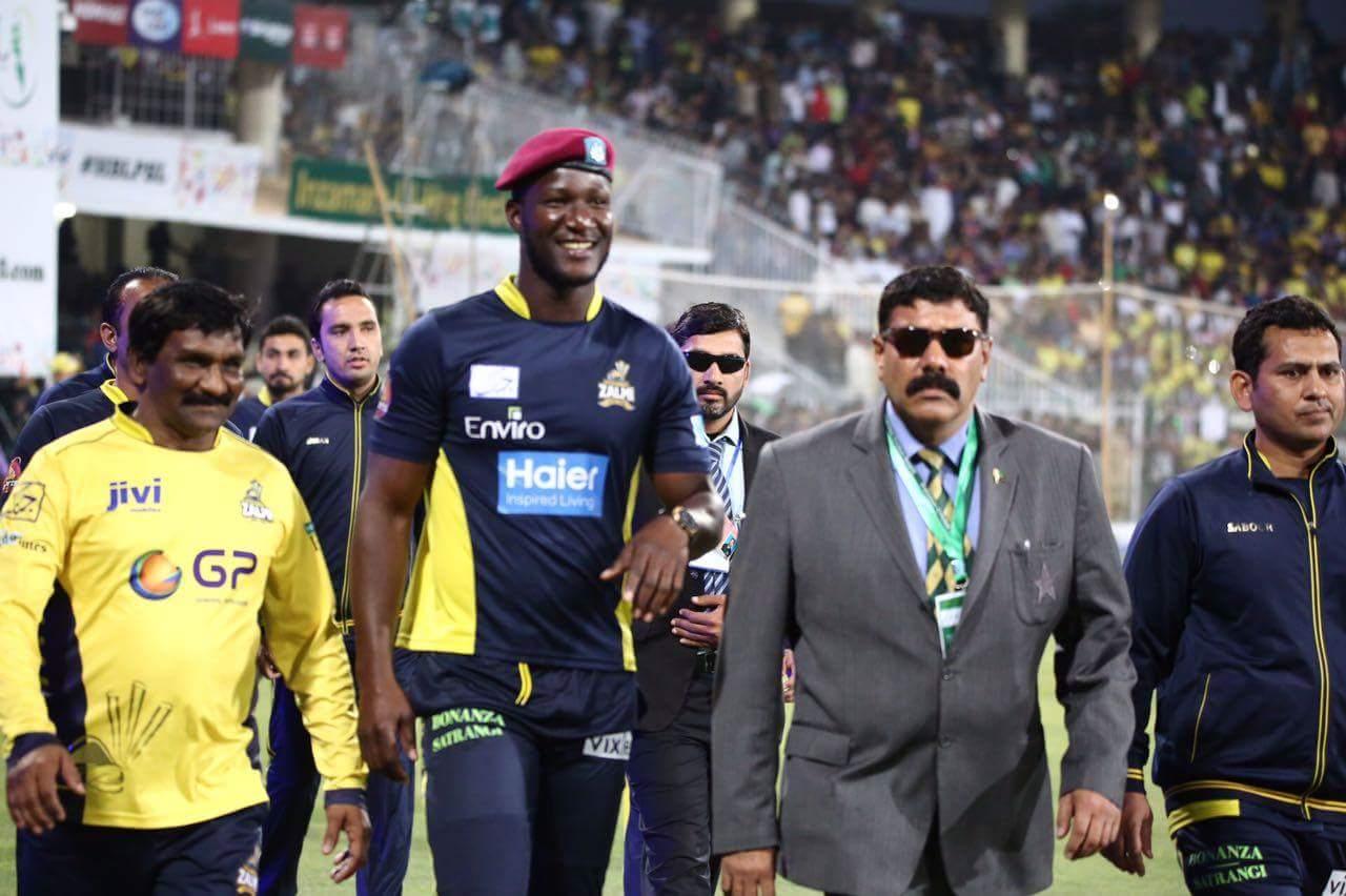Sammy arriving at Gaddafi Stadium like a boss.