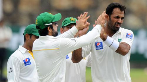 Silva, Sangakkara defy Pakistan in first Test