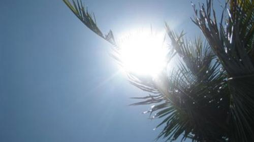Temperature soars to 46, load shedding adds to woes