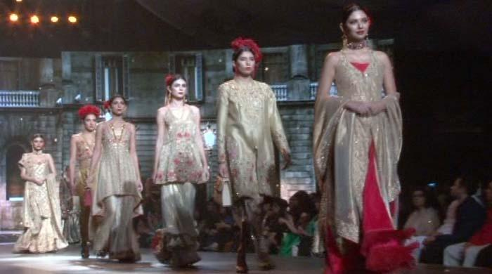 Stars dazzle at the bridal couture week 2016 for Couture meaning in urdu