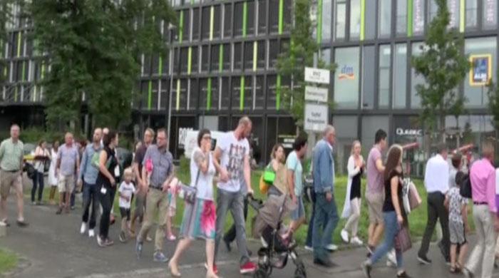 ´Lone´ Munich shooter kills nine, commits suicide