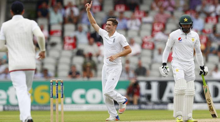 England look to level series as Pakistan collapse to 57 for four at Old Trafford