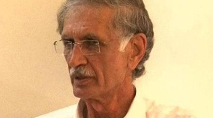 Khattak admits failure to bring 'change' in KP