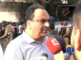 Karachi killing-CTD In-Charge Raja Umar Khitab speaks to media.