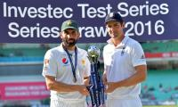 Pakistan celebrate ´incredible journey´ to No. 1 Test side