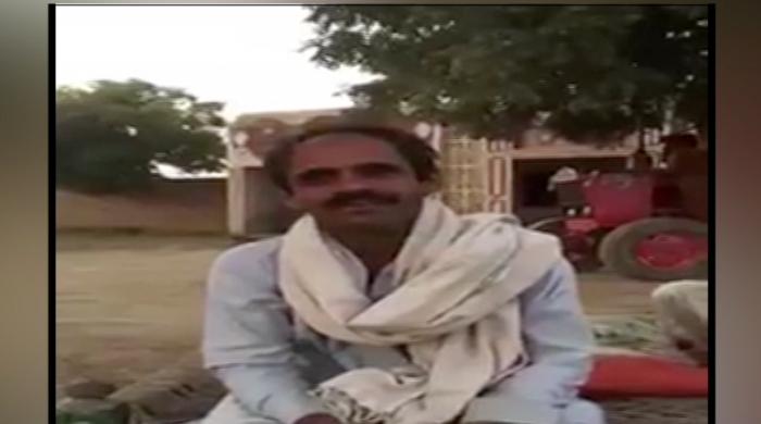 Pakistani imitates Tony Greig