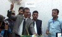 MQM's nominated mayor Waseem Akhtar cast his vote for mayoral elections