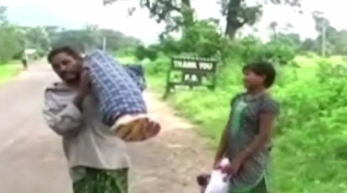 Indian man carries wife's body for 12 KM