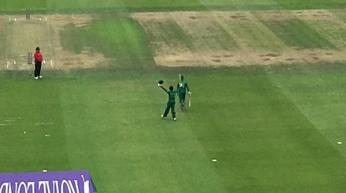 Pakistan score 251 against England in second ODI