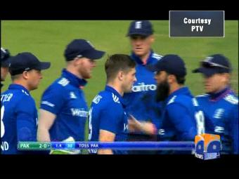 Pakistan's fall of wickets against England.