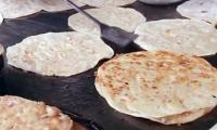People flock to Lahore eateries after rain