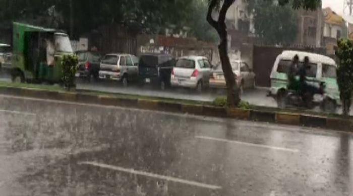 Rain continues in Lahore