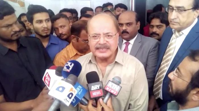 Wasan takes notice of absences at Sindh Small Industries Corporation