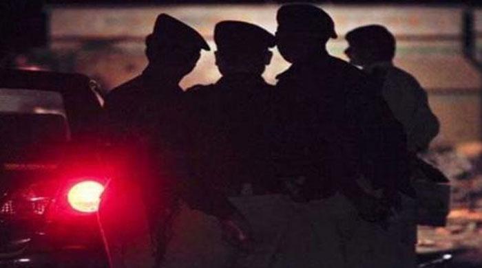 Seven suspects held in overnight Karachi raids