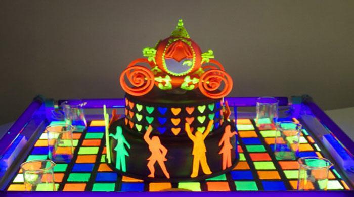 Indian woman creates glow-in-the-dark cakes