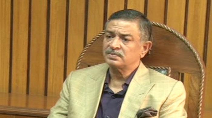 Karachi mayor assumes charge, Sukkur mayor operates from makeshift tent office