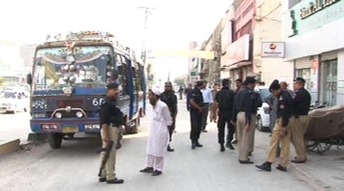 Bus passengers foil terror plot in Peshawar