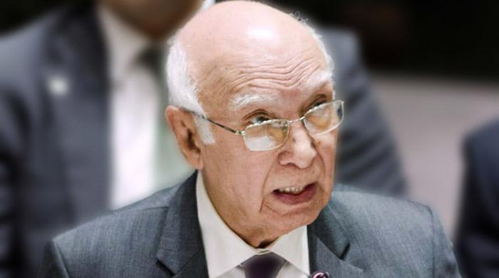 634 Pakistanis detained in jails of South Asian countries: Aziz