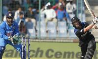 Williamson, Southee star in final-over win