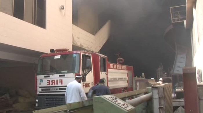 16 fire engines put out factory fire in Karachi