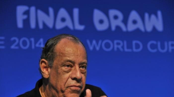 Brazil's 'eternal captain' Carlos Alberto dies at 72