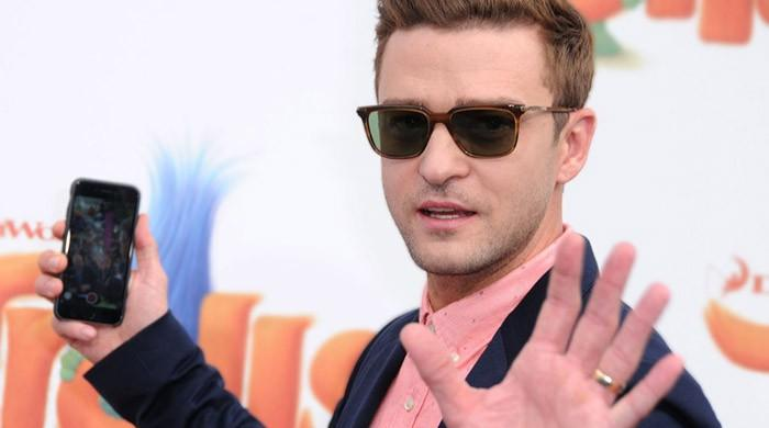 Pop singer Timberlake will not be investigated for ballot selfie