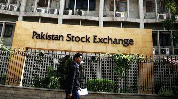 PSX-100 falls 237 points, sheds 763 pips in three days