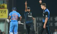 New Zealand beat India by 19 runs in 4th ODI
