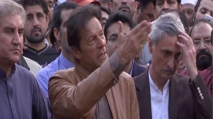 Imran's sarcastic response to slapping of TV cameraman
