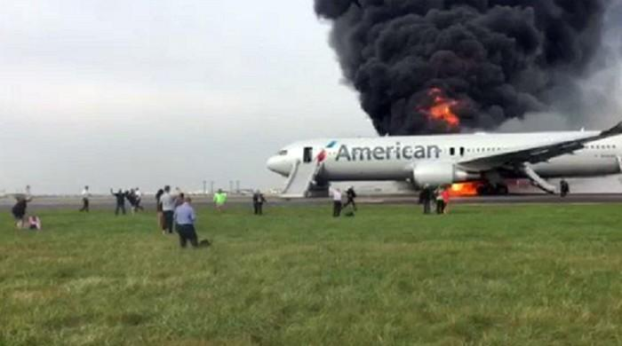 Several injured in plane fire at Chicago airport