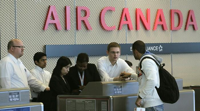 Canada to allow more foreign investment in airlines