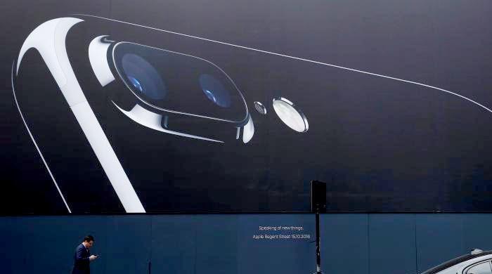 Fallen smartphone brand Nokia challenges Apple, Samsung again