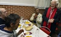 In Madrid, the homeless dine out... for free