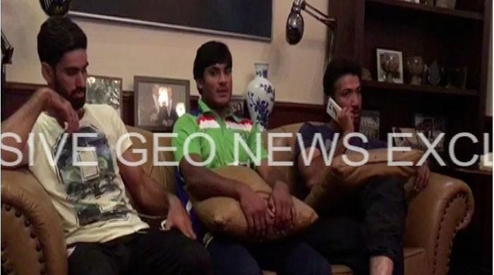 Karachi hotel fire: Injured Pakistani cricketers rescue guests trapped inside
