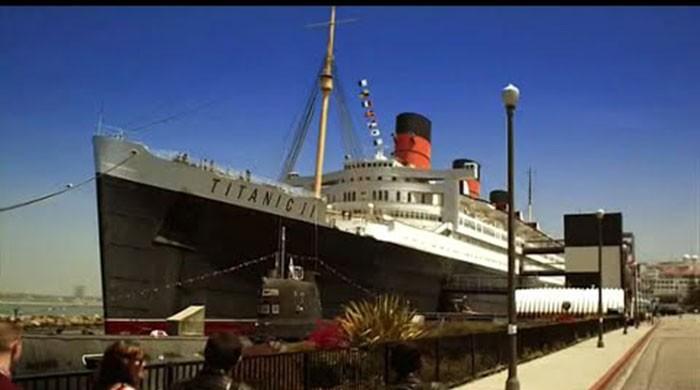 China begins constructing a life-size Titanic replica
