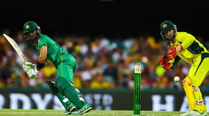 Pakistan all out, Australia win 1st ODI by 92 runs