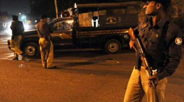 Police detain five suspects, including two alleged street criminals in Karachi