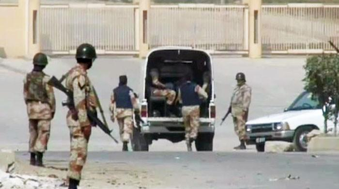 Sindh govt extends Rangers' special powers in Karachi