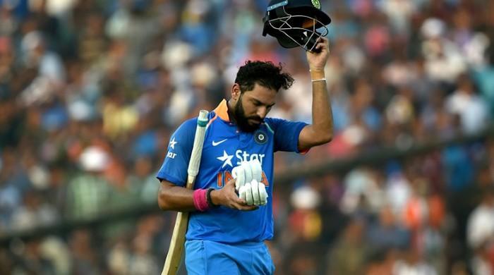 Yuvraj, Dhoni blitz hands India ODI series