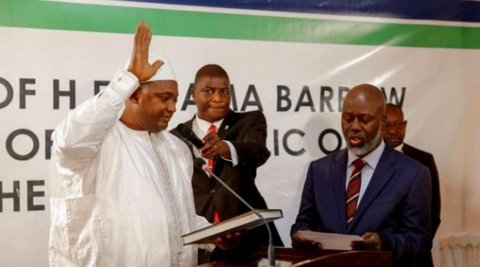 Gambia's Jammeh agrees to go into exile as regional troops mass