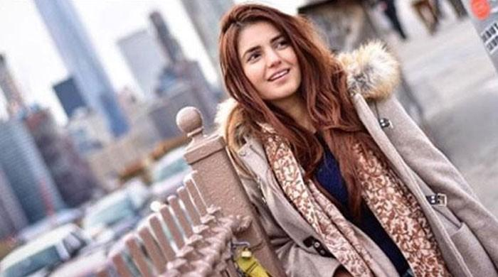 Momina Mustehsan croons for Islamabad United, dividing our opinion