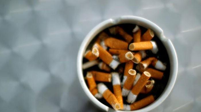 With colon cancer, smokers may be less likely to survive