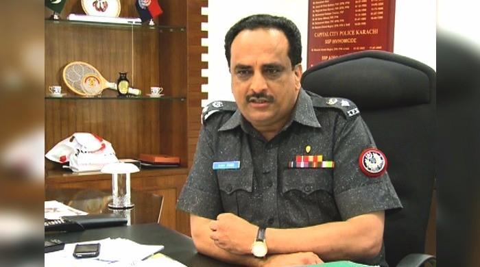 Sehwan suicide bomber was not female: CTD official Raja Umar Khattab